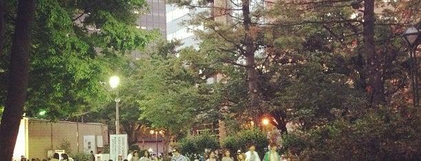 Sapporo Odori Beer Garden is one of Orte, die Hideo gefallen.