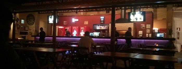 Villa Steakhouse & Bar is one of Lieux qui ont plu à Mariana.