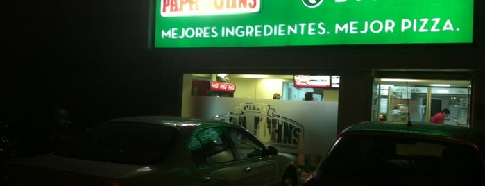 Papa John's is one of Lieux qui ont plu à erika.