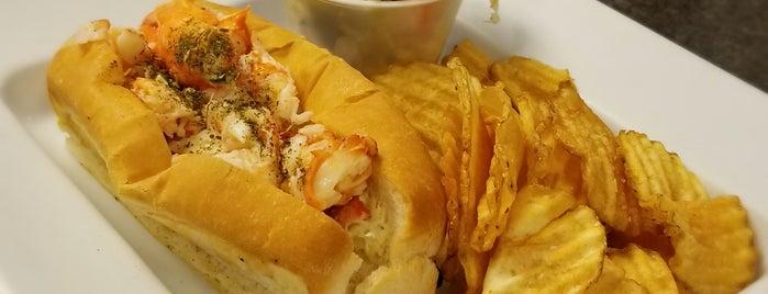 Linda Bean's Lobster Cafe is one of Orte, die Matthew gefallen.