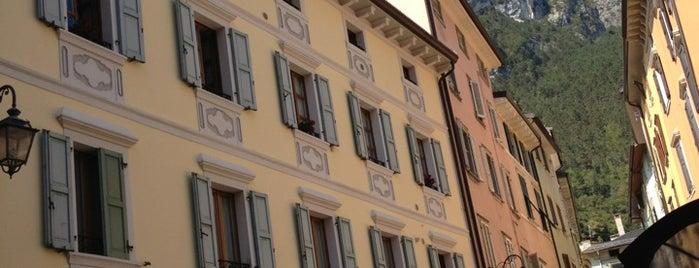 Bar Maroni is one of Bolzano-dro tra ciclabili, musei e teatro.