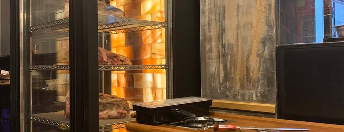 Evet Steak House is one of Tempat yang Disukai Baturalp.