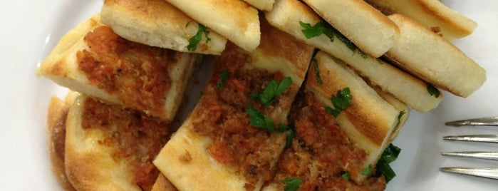 EROL USTA Güveç Salonu is one of Street Food.