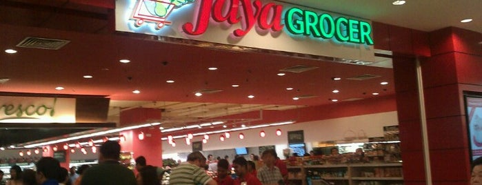 Jaya Grocer is one of Orte, die Biel gefallen.