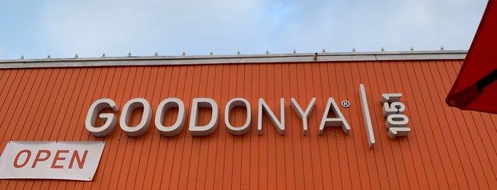 GOODONYA Organic Restaurant is one of สถานที่ที่ John ถูกใจ.