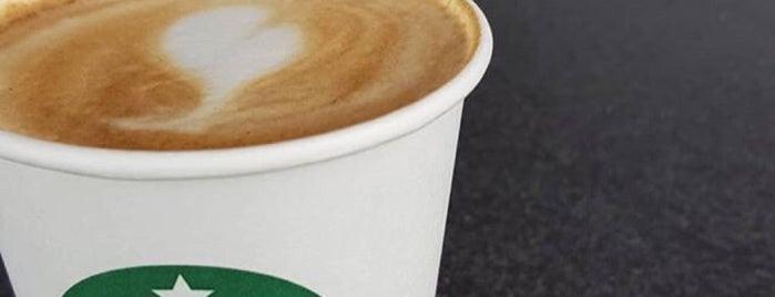 Starbucks is one of Locais curtidos por Özgür.