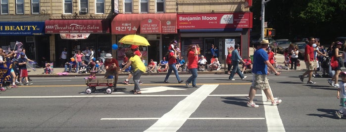 Little Neck Douglaston Memorial Day Parade is one of CD19 Favorite Places.