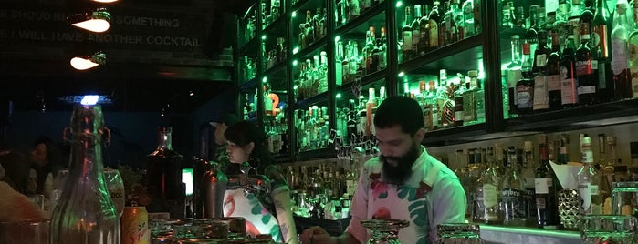 Galgo Speakeasy Mixology Bar is one of GDL Night.
