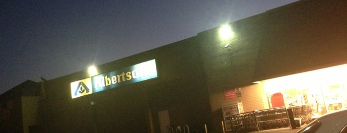 Albertsons is one of Locais curtidos por Larry.