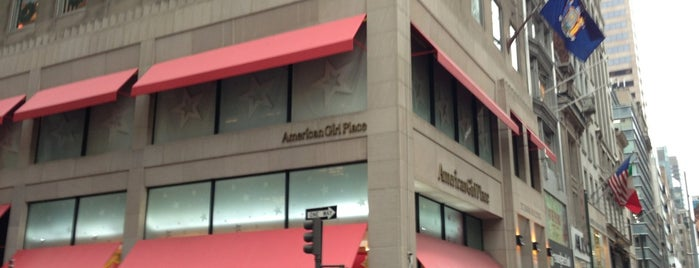 American Girl Place is one of Locais curtidos por Yvonne.