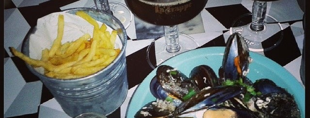 Moules & Beer is one of Fabio 님이 저장한 장소.