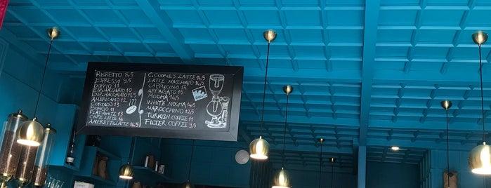 Brew Coffee Works is one of Locais curtidos por Esra.