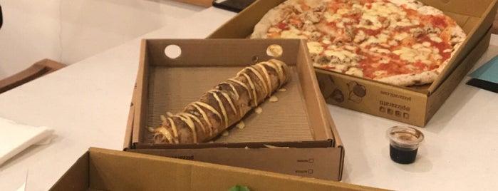 Pizzaratti is one of Locais salvos de Queen.