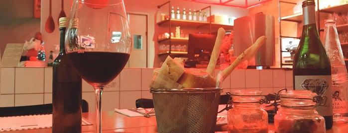 Tomato Cucina & Vino is one of Mariana'nın Kaydettiği Mekanlar.