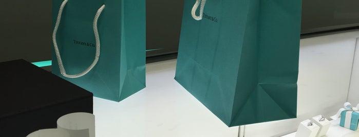 Tiffany & Co. is one of Lugares favoritos de Vasilis.