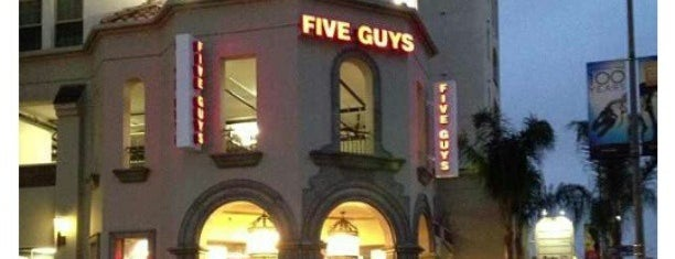 Five Guys is one of Orte, die Philip gefallen.