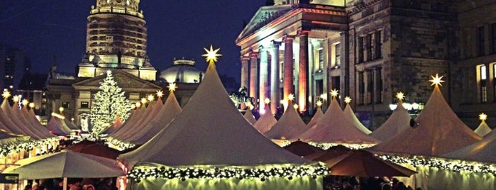 Weihnachtszauber Gendarmenmarkt is one of Chris : понравившиеся места.