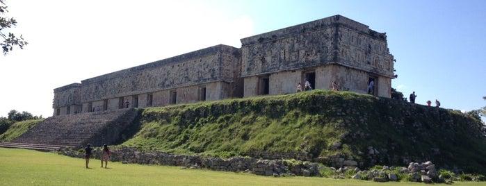 Palacio Del Gobernador is one of Orte, die Cris gefallen.