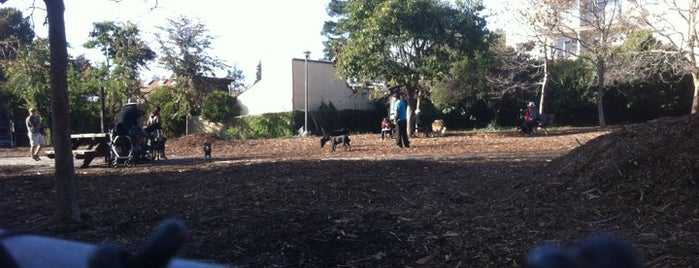 Ohlone Dog Park is one of Kouros'un Kaydettiği Mekanlar.
