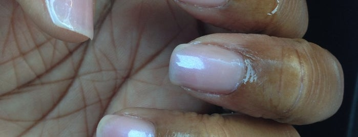 Ivy's Nails is one of Lugares guardados de Shell.
