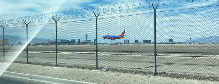 LAS Airport Observation Lot is one of Great Vegas Views.