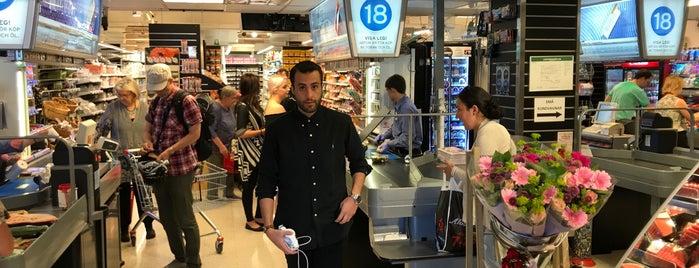 ICA Supermarket Alvikstorg is one of Locais curtidos por Sravanti.