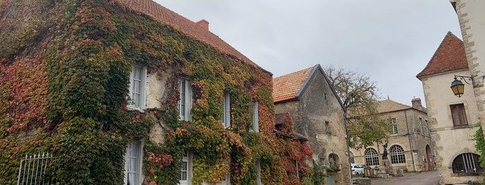Châteauneuf-en-Auxois is one of Les plus beaux villages de France.