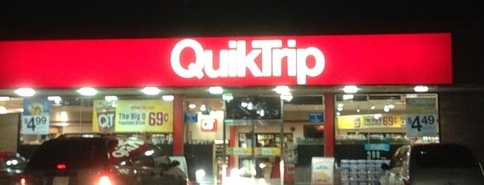 QuikTrip is one of สถานที่ที่ Kris ถูกใจ.