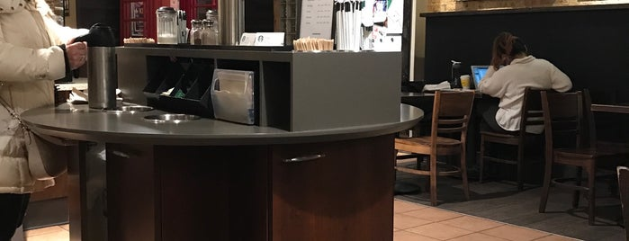 Starbucks is one of สถานที่ที่ Michelle ถูกใจ.
