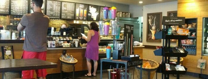Starbucks is one of Randi 님이 좋아한 장소.