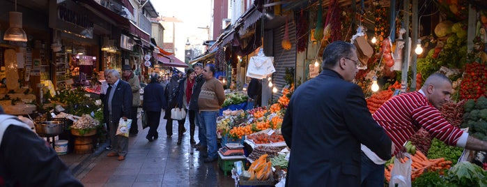 Kadikoy Fish Bazaar is one of Istanbul Tourist Attractions by GB.