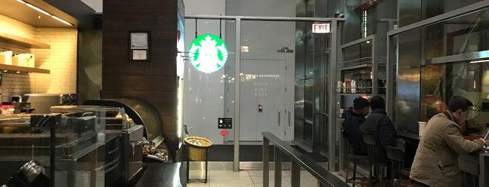 Starbucks is one of Lieux qui ont plu à IrmaZandl.