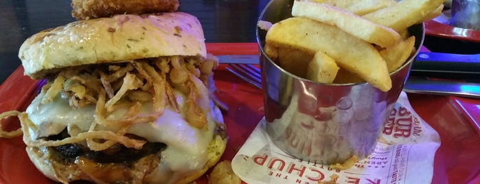 Red Robin Gourmet Burgers and Brews is one of Orlando 2020.