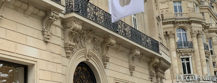 Apple Champs-Élysées is one of Encounter (Europe).