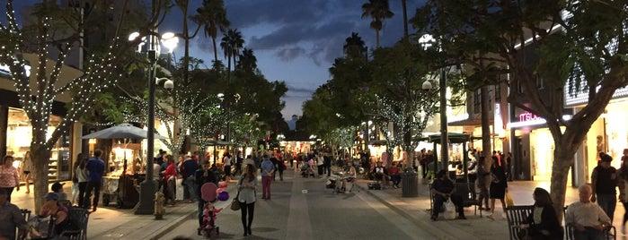 Third Street Promenade is one of Locais curtidos por Khaled.
