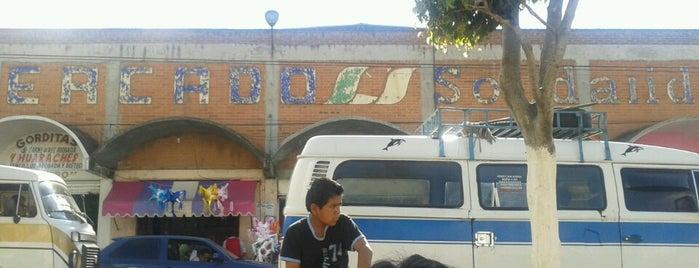 Mercado Zitácuaro is one of Jesús Ernesto : понравившиеся места.