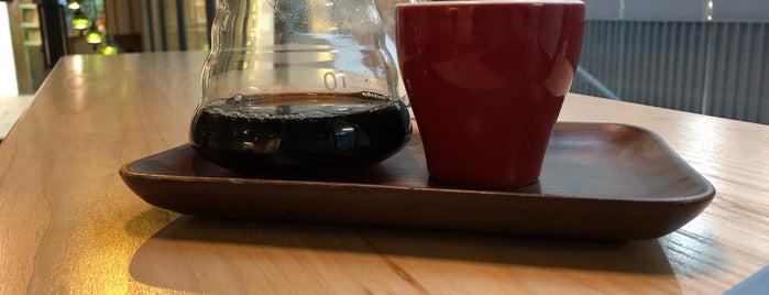 Café Golden is one of Lugares guardados de Zsuzsanna.