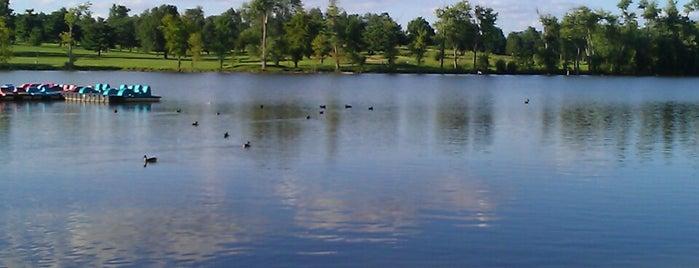 Jacobson Park is one of Lugares favoritos de Hannah.