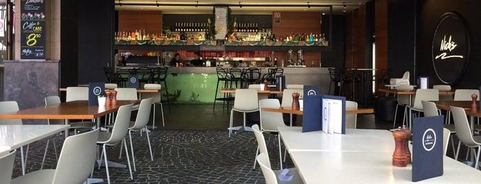 Nick's Seafood Restaurant is one of Posti salvati di Dimitris.