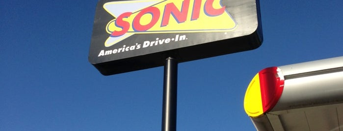 SONIC Drive In is one of Tricia 님이 좋아한 장소.