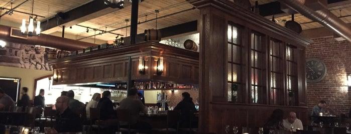 Iron Works Tavern is one of สถานที่ที่ Michael ถูกใจ.