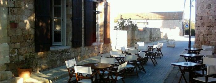 Monks Inn is one of Lugares favoritos de R.Merve.