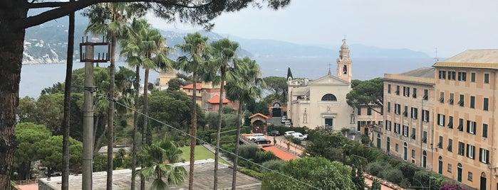 L'Approdo Hotel Rapallo is one of Locais curtidos por Liza.