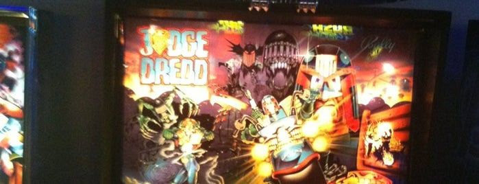 Gunther's Games is one of Pinball Destinations.