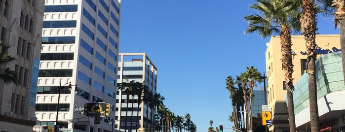 7060 Hollywood Blvd is one of Los angeles.