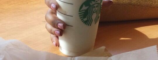 Starbucks is one of สถานที่ที่บันทึกไว้ของ Larry&Rachel.