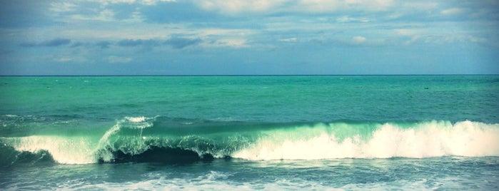 Пляж is one of สถานที่ที่ Anastasia ถูกใจ.