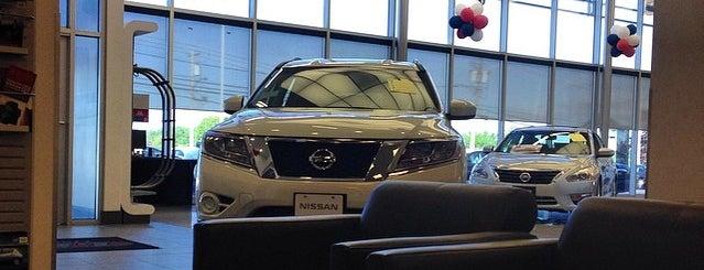 Lia Nissan of Colonie is one of Tempat yang Disukai David.