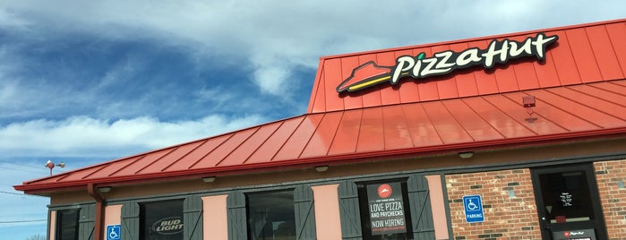 Pizza Hut is one of Tempat yang Disukai Jason.