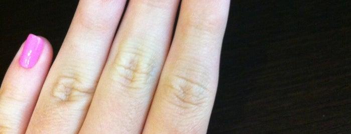 SPAtacular Nails is one of Orte, die Adrienne gefallen.